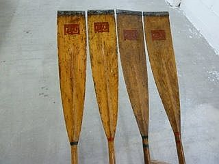 The oars with monogram.