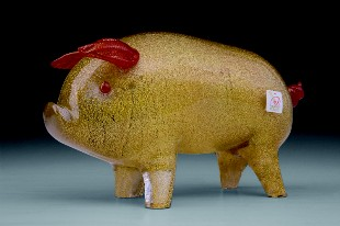 Pig in glass: good. (Marchio Artistico Murano www.promovetro.com).