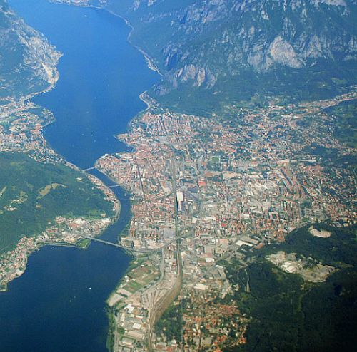 An aerial view of Lecco.  Does this look like a place that would have too many people to make disposing of a body awkward?