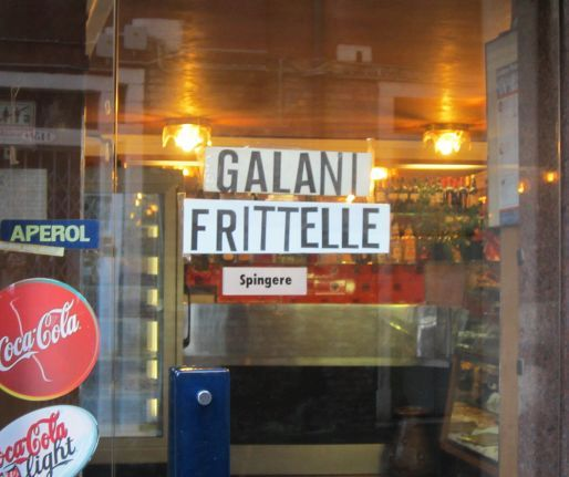 Even though this pastry shop/cafe produces wonderful Carnival sweets (galani and frittelle, in case you're wondering), they are overpriced.  But I do like the way their sign is lettered, as if by newspaper bits cut out by someone composing an anonymous ransom note.