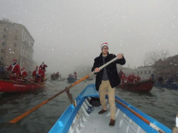 Here is Gabriele, rowing away.  It wasn't snowing, but evidently there were interludes of unusually aggressive fog-flakes, or drops, or crystals, or something.