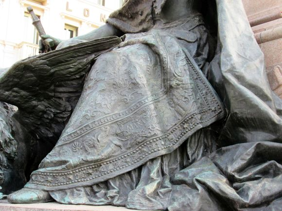 The figure of Venice on the monument to Vittorio Emanuele II on the Riva degli Schiavoni bears a reverent inscription on the hem of her garment.