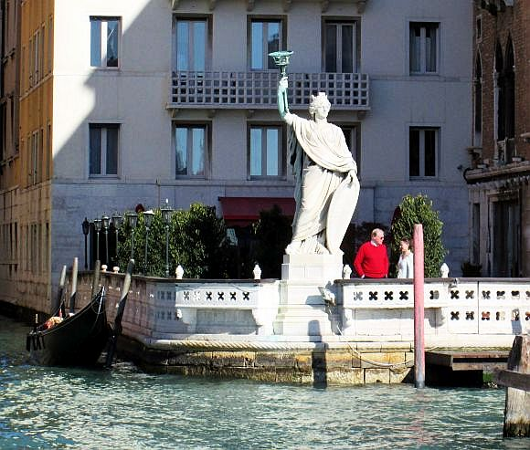 Queen Margherita was reportedly much more popular than her husband.  This statue represents her holding a torch which is alight at night.  Take that, Statue of Liberty. An attractive legend holds that the pizza Margherita was created in her honor, composed of the three colors of the national flag (tomato, basil, mozzarella).